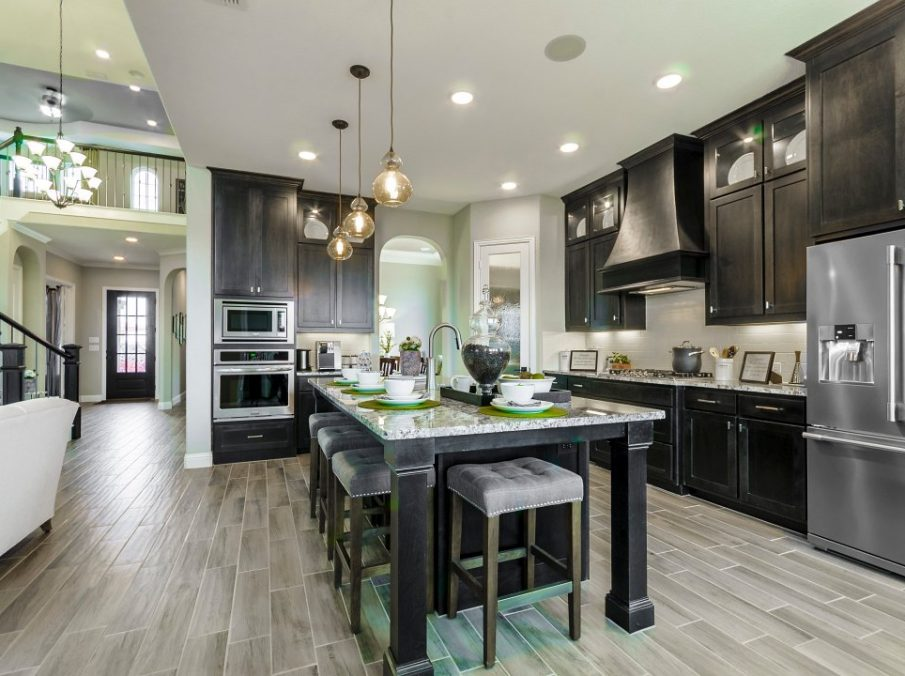 Landon Homes new home builder 432 Carrington Kitchen with pendant lighting