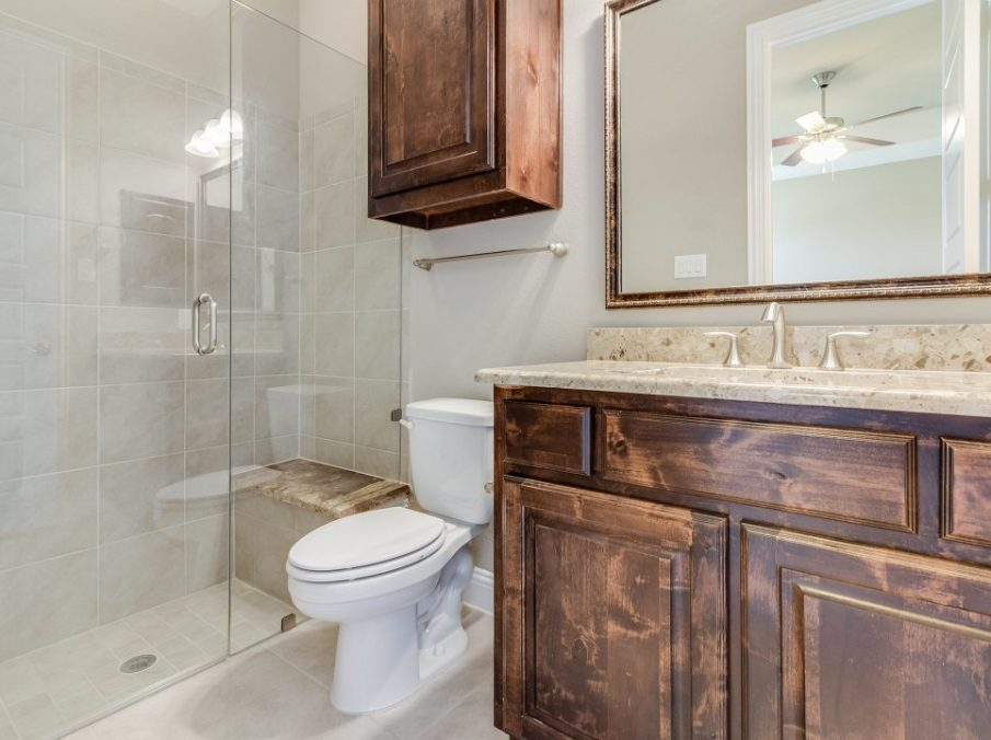 Landon Homes New Home Builder 798 Montblanc Secondary Bathroom with Tub Shower Combination