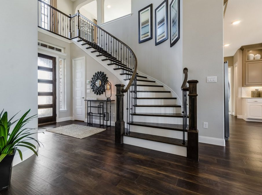 450 Maddison Stairway and Entry