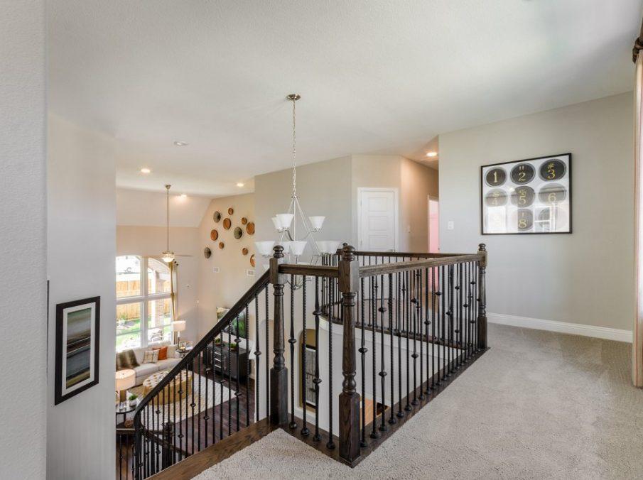 450 Maddison Stairway Landing