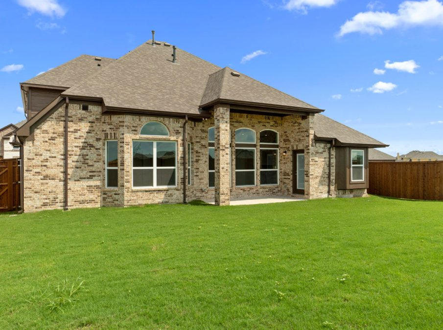 New Home Builder Landon Homes 5901 Southlake Backyard and Covered Patio