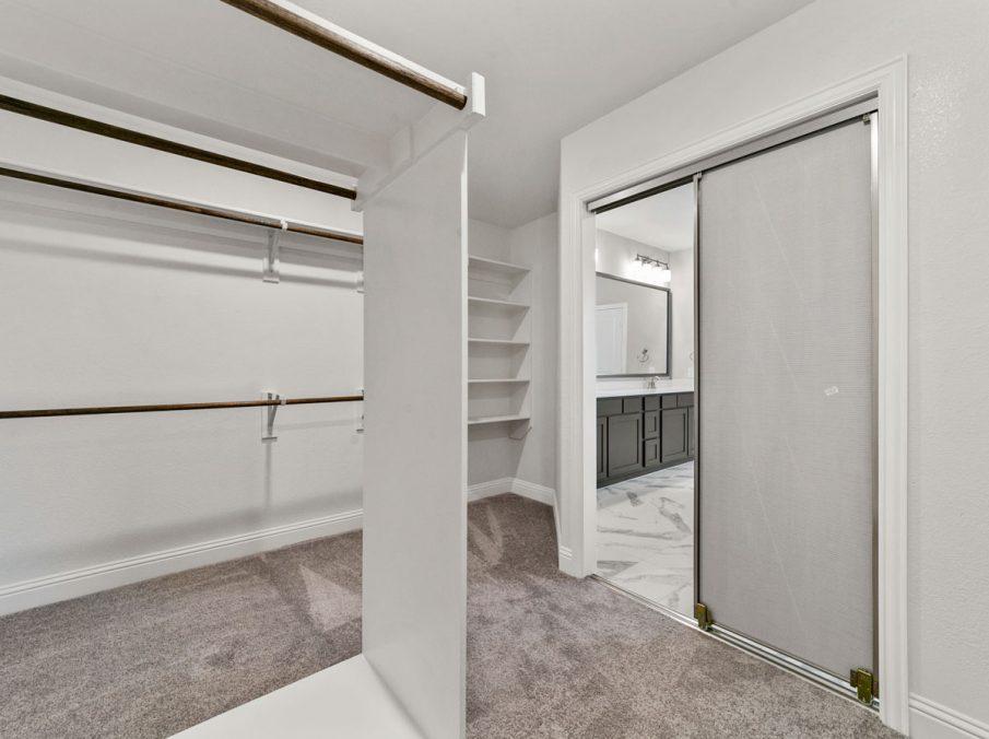 New Home Builder Landon Homes 600 Richmond Master Closet