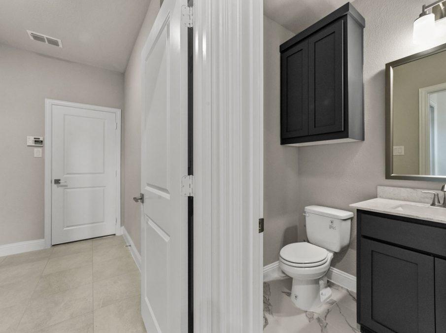 New Home Builder Landon Homes 600 Richmond Powder Bath