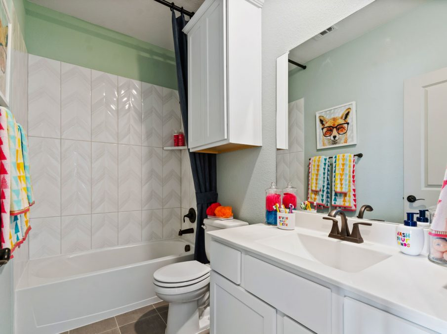 Landon Homes 5810 Sienna Model Argyle TX kids bathroom