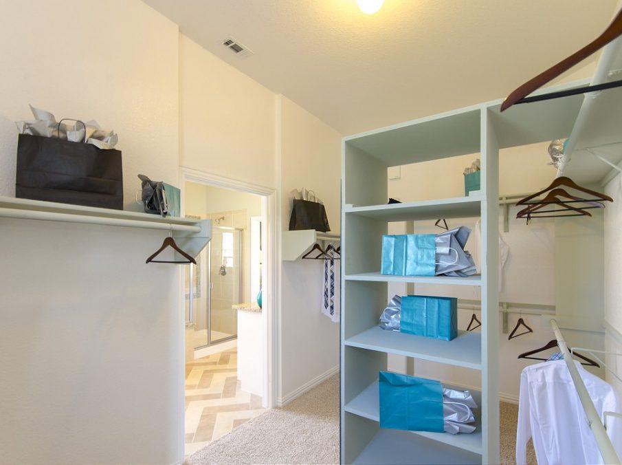 Landon Homes New Home Builder 185 Ridgecrest Master Closet