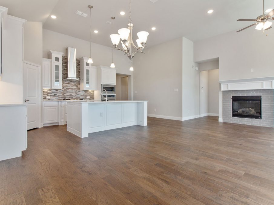 Landon Homes new home builder 515 Sherwood family room and kitchen