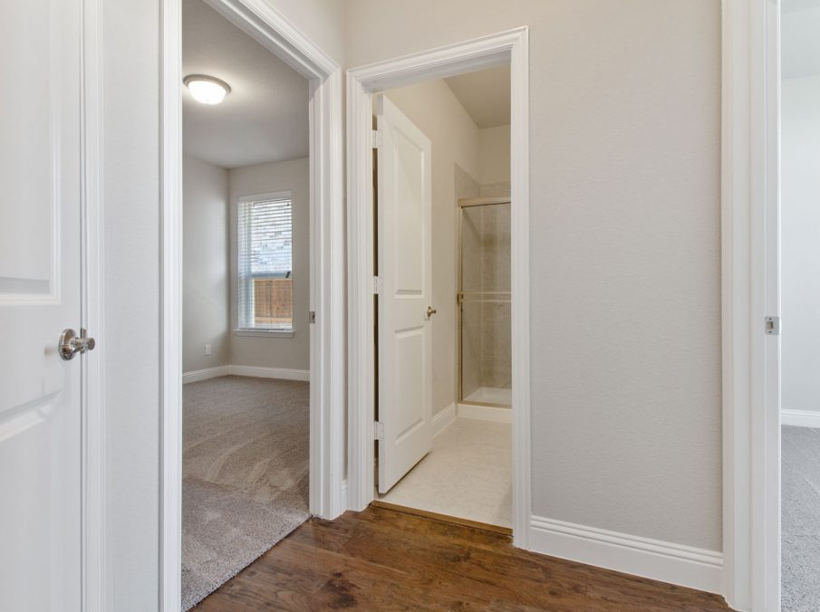 Landon Homes new home builder 515 Sherwood hallway to master suite