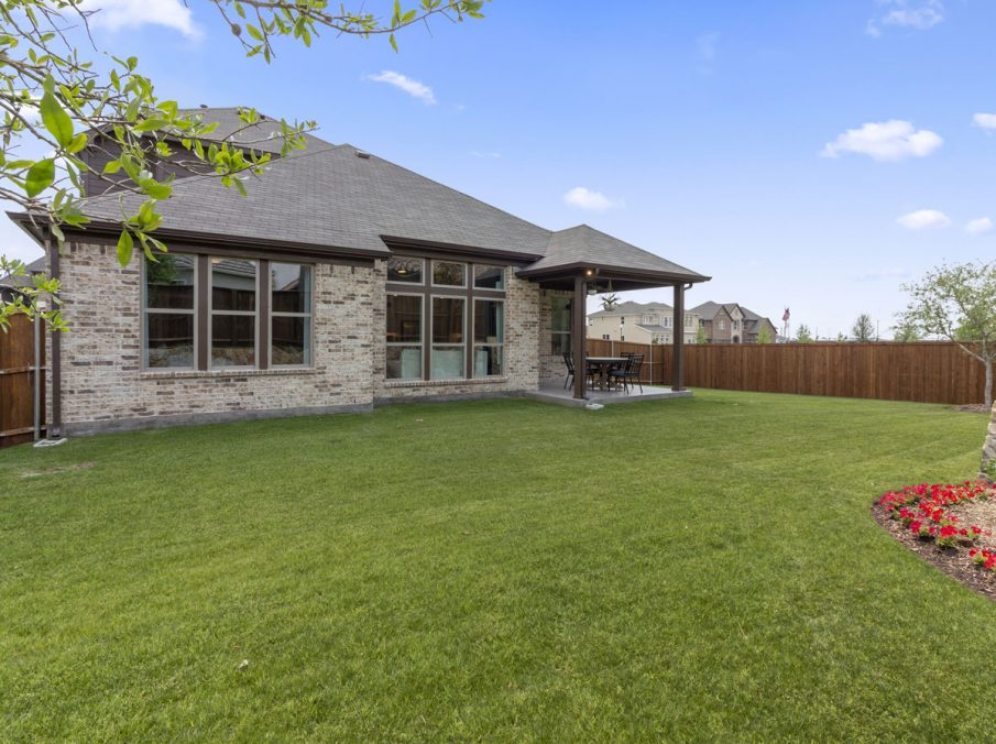 519 Bradley Collection by Landon Homes Yard