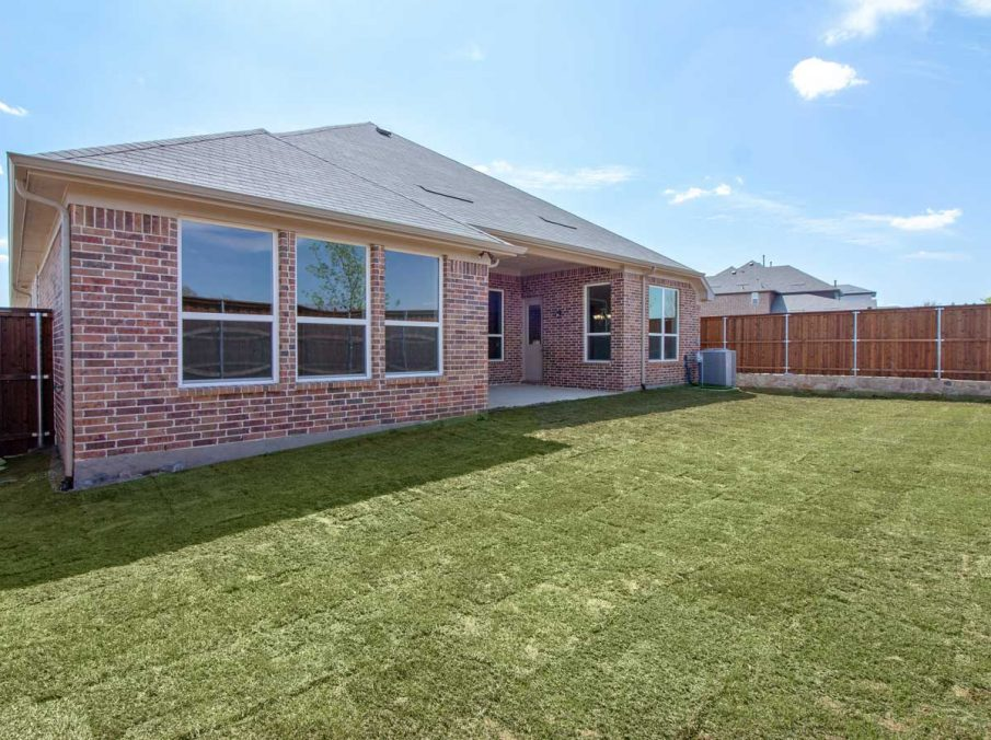 Landon Homes New Home Builder in Frisco, Allen, and Argyle TX 609 Bradford Collection Covered Patio
