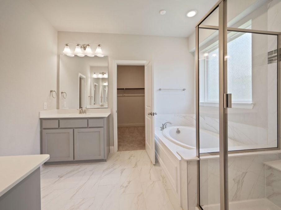 512 Stirling Collection Landon Homes New Home Builder Master Bathroom