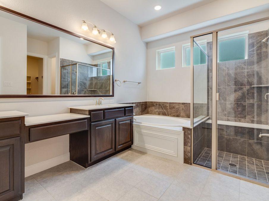 431 Alexandria Collection Landon Homes Master Bath